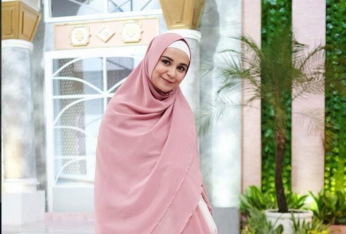 artis berhijab, shireen sungkar, terry putri
