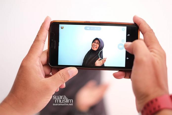 Bagaimana Hukum Selfie Bagi Muslimah