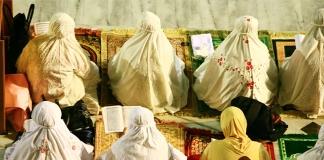 Rahasia Hidup Bahagia dengan memuliakan al quran
