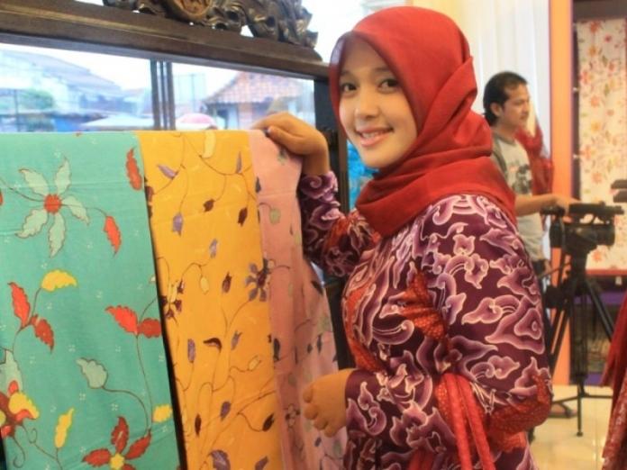 Sally Giovany, Pengusaha Muslimah Batik