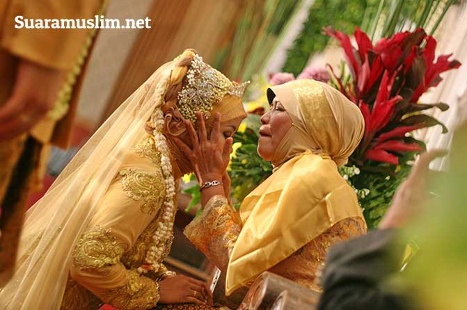 Bekali Anak Ilmu Sebelum Menikah