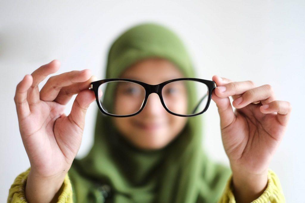 Pilih Kacamata Sesuai dengan Bentuk Wajah(1)