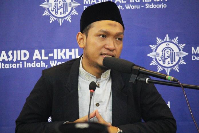 Ustadz Salim A Fillah Hatiku Adalah Batumu