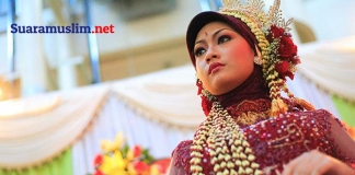 Tren Fashion Hijab, Positif atau Negatif