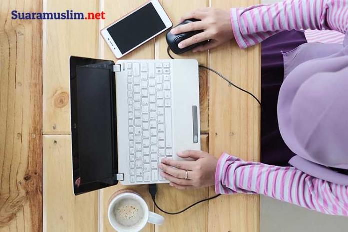 10 Dampak Kecanduan Internet pada Remaja