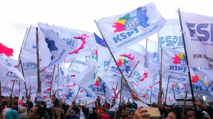 Buruh KSPI Gruduk Istana Tuntut Jokowi Turunkan Harga Kebutuhan Pokok