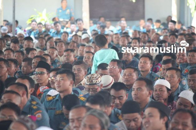 Ustadz Abdul Somad Tabligh Akbar di Koarmatim Surabaya(6)