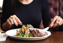 Makan Terlalu Cepat Berpotensi Tingkatkan Penyakit Berbahaya
