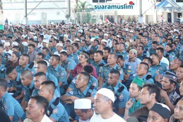 Ustadz Abdul Somad Tabligh Akbar di Koarmatim Surabaya(3)