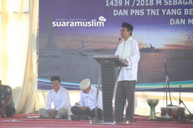 Ustadz Abdul Somad Tabligh Akbar di Koarmatim Surabaya(10)