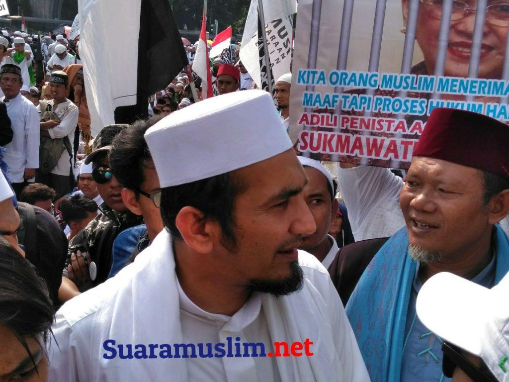 Slamet Ma'arif, Eggi Sudjana dan KH Sobri Lubis Mewakili Para Demonstrasi Berdialog dengan Polisi