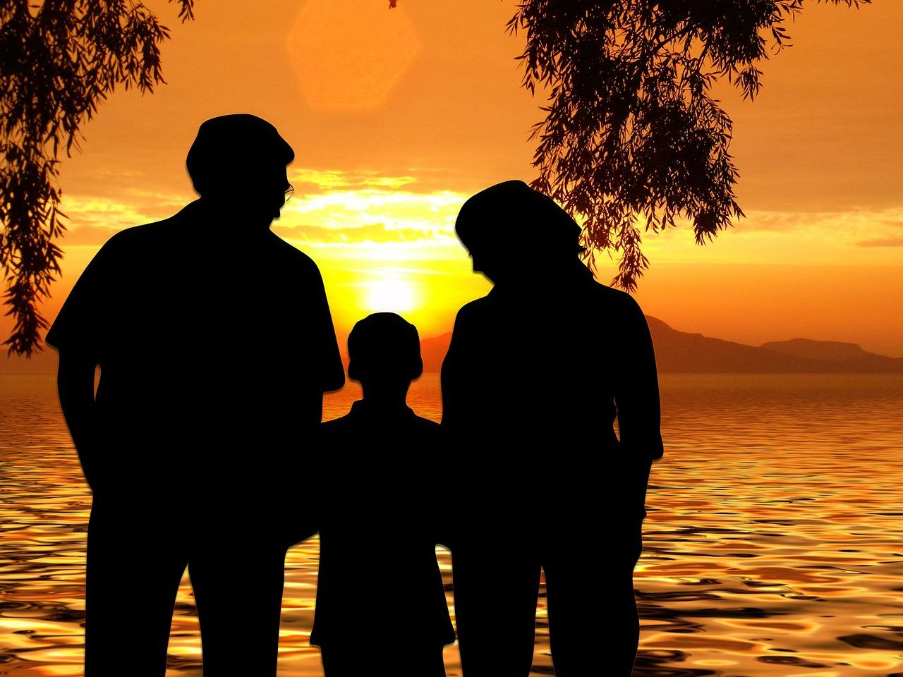 Tips Agar Hubungan Orang Tua dan Anak Tak Renggang