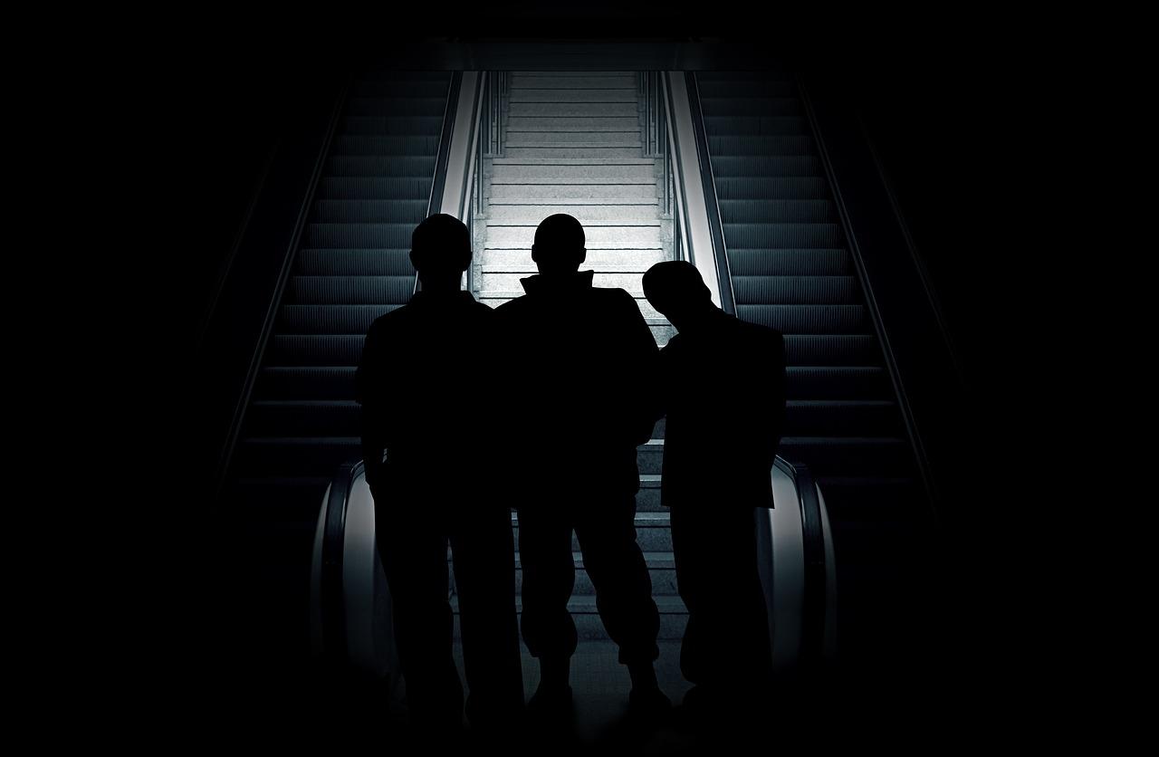 Bertahan dalam Kegelapan