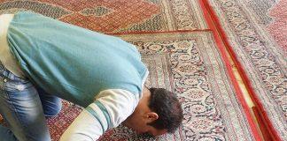 Kisah Non-Muslim Masuk Islam Karena Ramadhan
