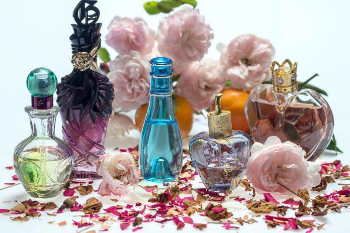 Dalil dan Hikmah Larangan Memakai Parfum Saat Haji