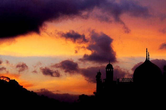 Semarak Bulan Dzulhijjah dengan Memperbanyak Amal Sunnah