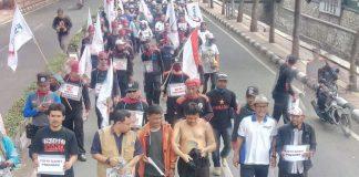 Massa KSPI Jalan Kaki Surabaya-Jakarta Demi Antarkan Prabowo Ke KPU
