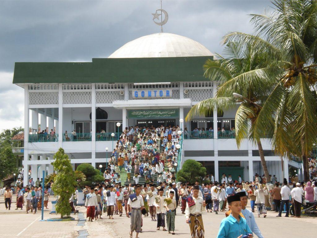 Santri, Jiwa Qurani dan Perjuangan Umat