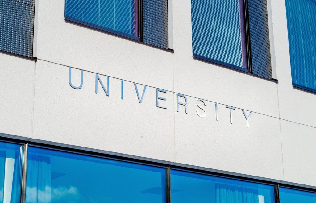 Pendidikan Tinggi: Mutu atau Relevansi?