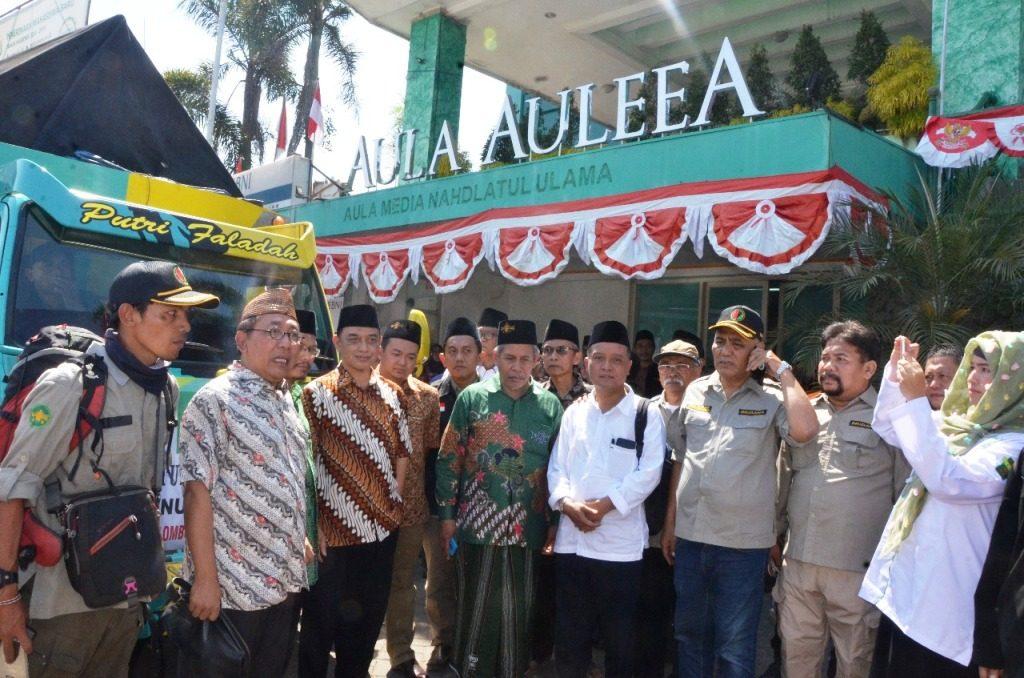 NU Jatim Serahkan Bantuan Langsung ke Lombok