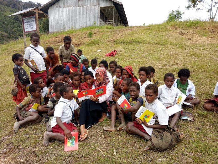 Hari Guru Nasional: Guru, Pahlawan yang Berjasa