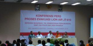 KNKT: Lion Air Pecah Ketika Menyentuh Permukaan Air Laut