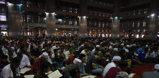 Ribuan Warga Muraja'ah dan Taubat Nasional untuk Kebaikan Indonesia