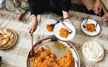 Sedekah Makan Siang Di Hari Jumat