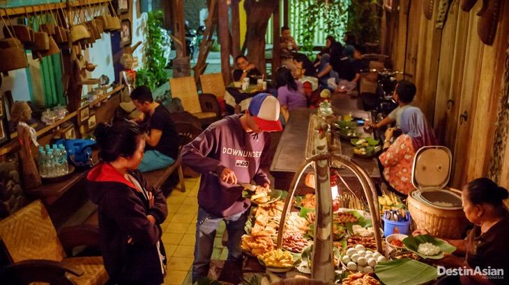 10 Destinasi Kuliner di Kota Bengawan | Suaramuslim.net