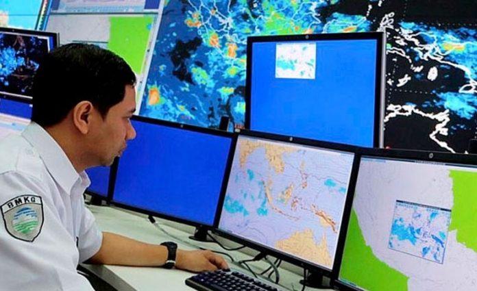 BMKG: Waspada Hujan Lebat Disertai Angin Kencang 7 Hari ke Depan
