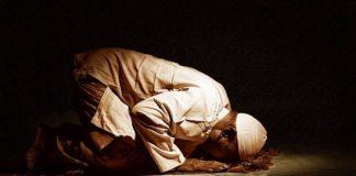 Jangan Lupakan 3 Doa Ini Saat Sujud