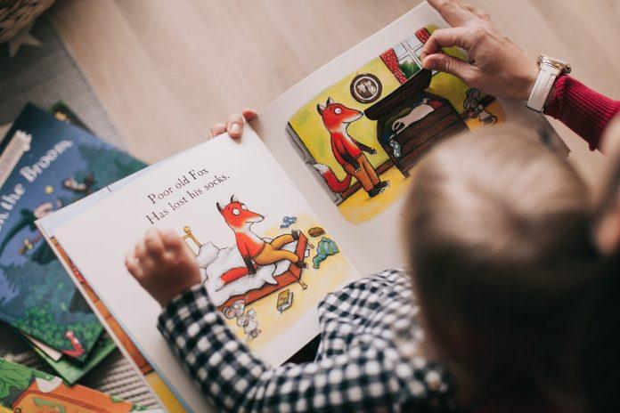 Keteladanan Orang Tua Membaca, Tumbuhkan Kebiasaan Membaca Anak
