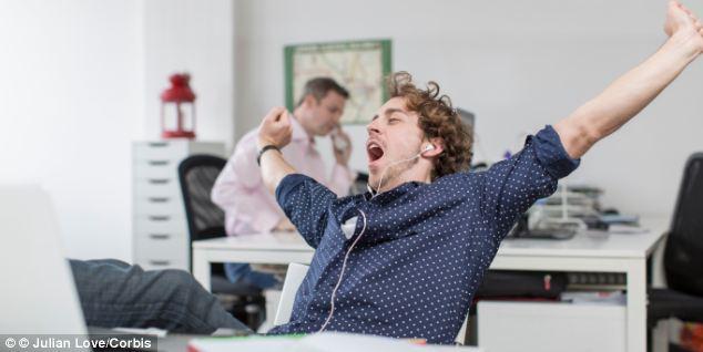 Pakai Cara Ini untuk Usir Kantuk Saat Kerja