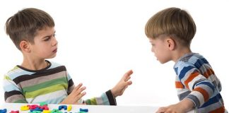 Memahami Anak Suka Memukul Orang Lain