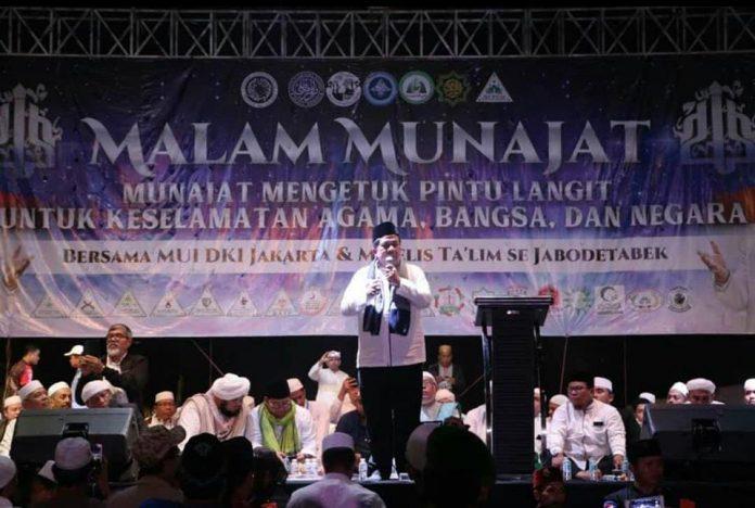Doa Fahri Hamzah Di Munajat 212 Tumbangkan Orang Munafik!