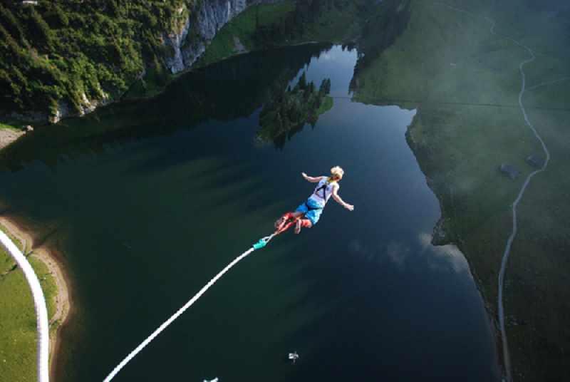 Bungee jumping di Bali (Foto: superadventure.co.id)