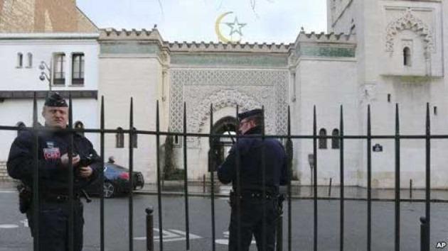 Prancis Terapkan UU Anti-Terorisme, 7 Masjid Ditutup