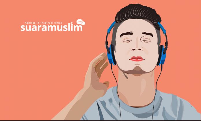 Ilustrasi Mendengarkan Radio (Ilustrator: Ana Fantofani)