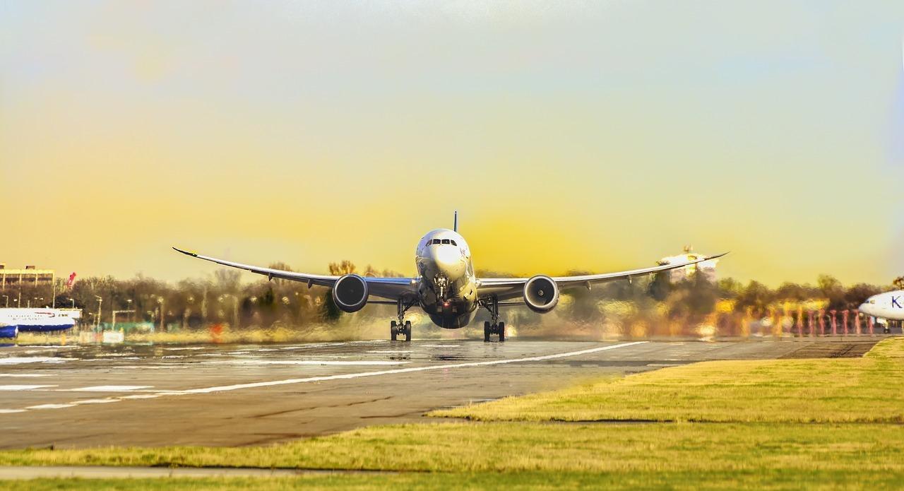 Dirjen Perhubungan Udara Pastikan Pelayanan Angkutan Lebaran Optimal