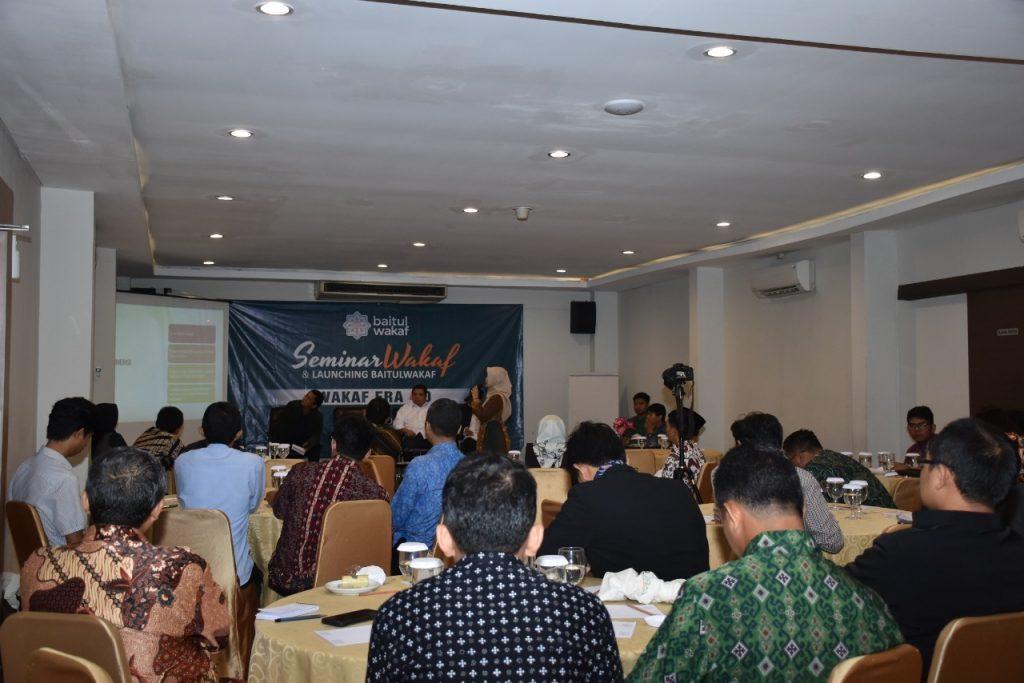 Edukasi Umat, Baitul Wakaf Gelar Seminar Wakaf