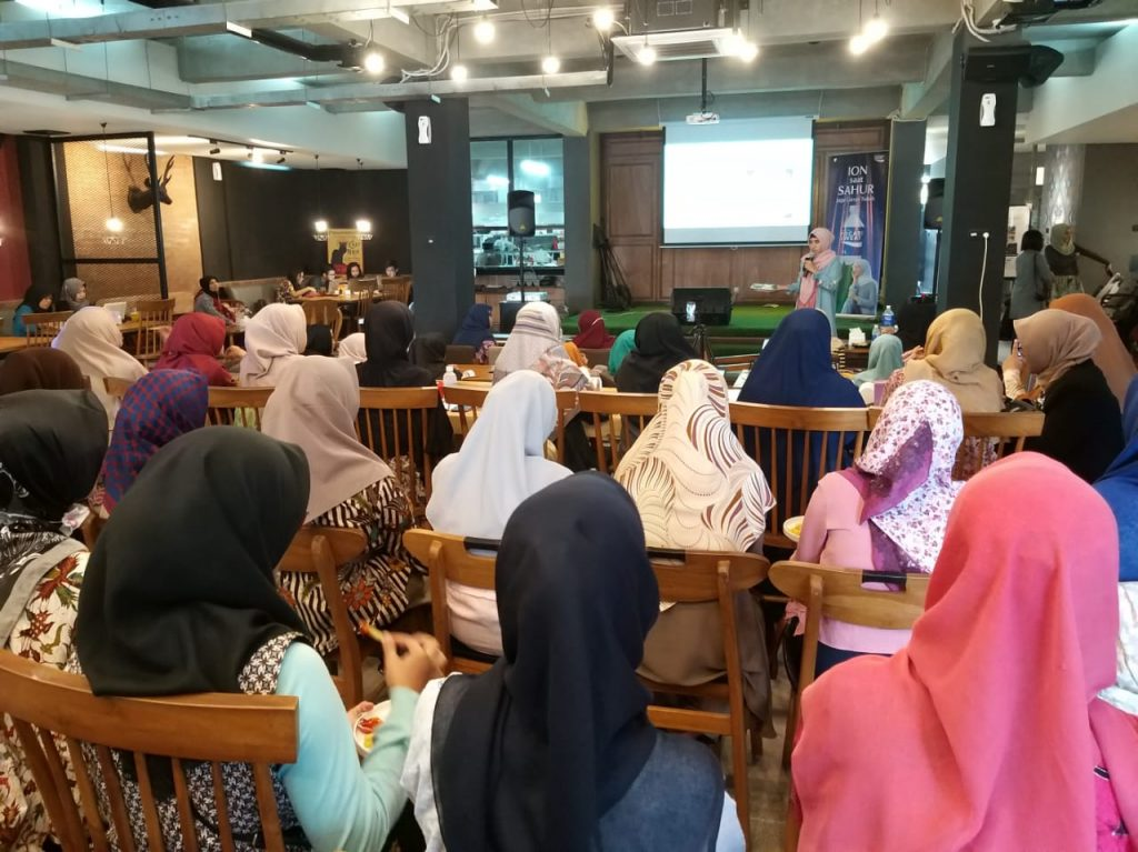 Gandeng Hijabee, Pocari Sweat Gelar Workshop Menu Sahur Jaga Cairan Tubuh