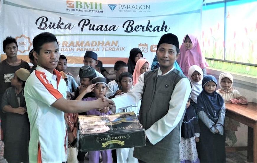 Gelar Buka Puasa Berkah, BMH-Paragon Berikan Kado Mualaf di Sentani dan Kerom Papua