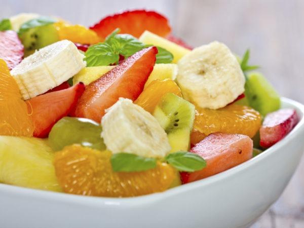 Segar dan Sehatnya Buka Puasa dengan Salad Buah