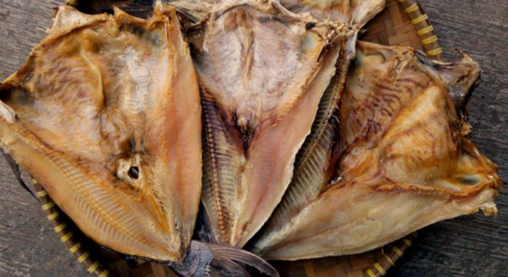 Gampang dan Mantap, Begini Mudahnya Masak Sambal Ikan Asin Jambal Roti