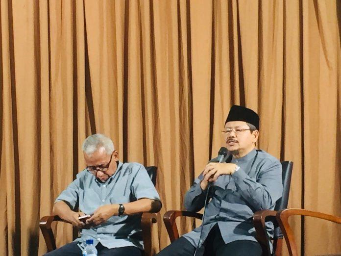 Ismail Yusanto Demokrasi Jalan Sempit Bagi Umat Islam