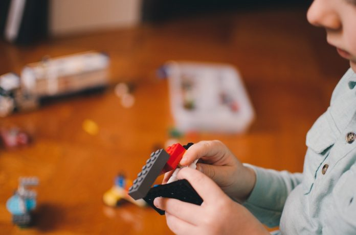 Membangun Kecerdasan Emosi Anak