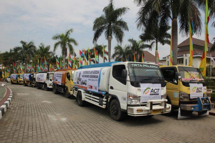 Global Zakat-ACT Serentak Distribusikan Jutaan Air Bersih di 12 Wilayah Kekeringan