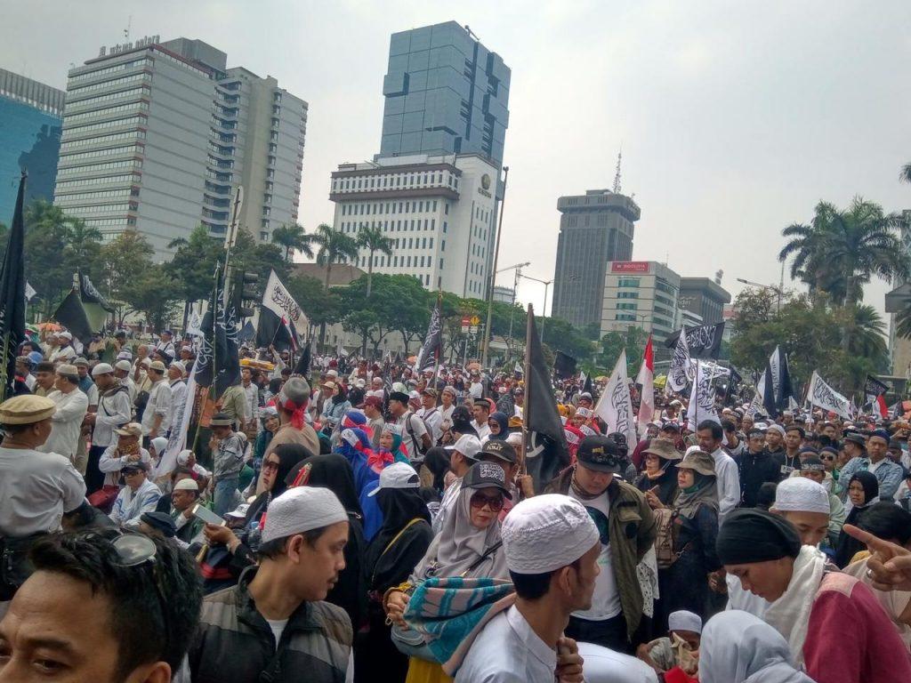 Aksi Mujahid 212 Lakukan Mubahalah, Minta Jokowi Dilaknat 7 Turunan Kalau Zalim
