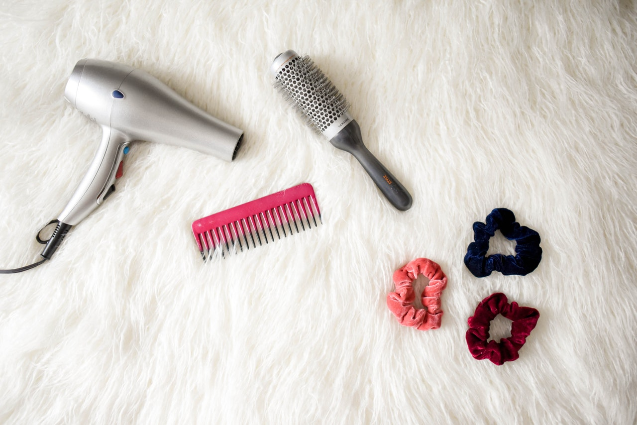 Intip 3 Cara Mengatasi Rambut Rontok Ini