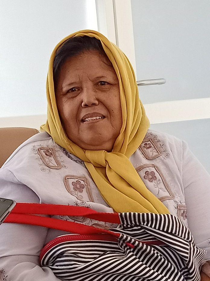 Usia 70 Tahun, Maria Menjadi Wisudawati Tertua di Unusa